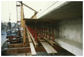 Bridge Overhang Deck Construction Formwork